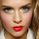 Helle Haut, Make-up Ideen, Natürliches Makeup, Hautpflege, Lange Haare,