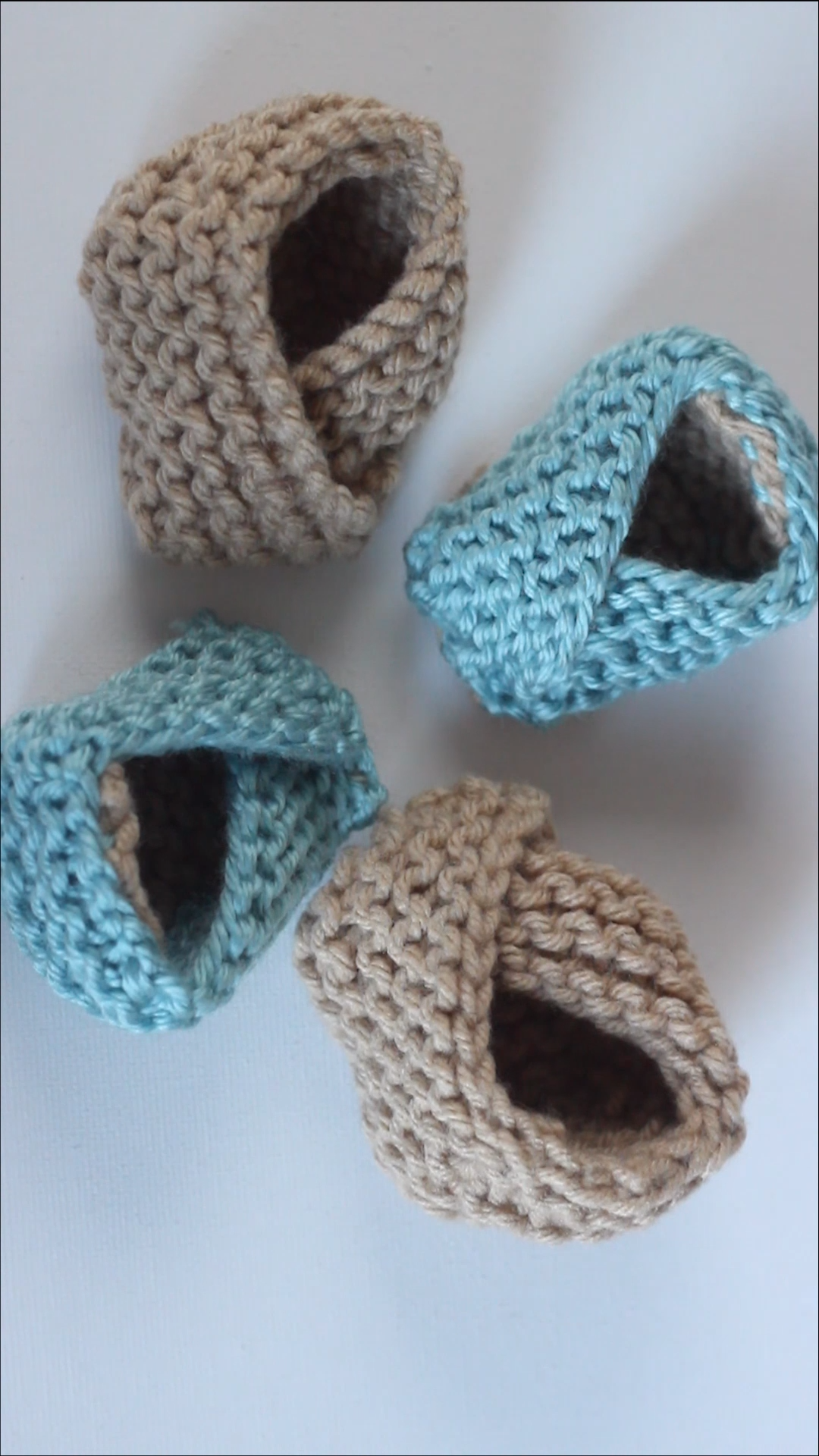 How to Knit BABY BOOTIES Shoes with | Strickmuster | Pinterest | Baby  knitting, Knitting und Knit baby booties