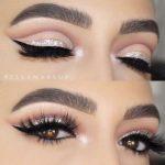 Amber Eyes Makeup: Die besten Tipps zum Makeup für Amber Eyes #amber #besten  #makeup #tipps