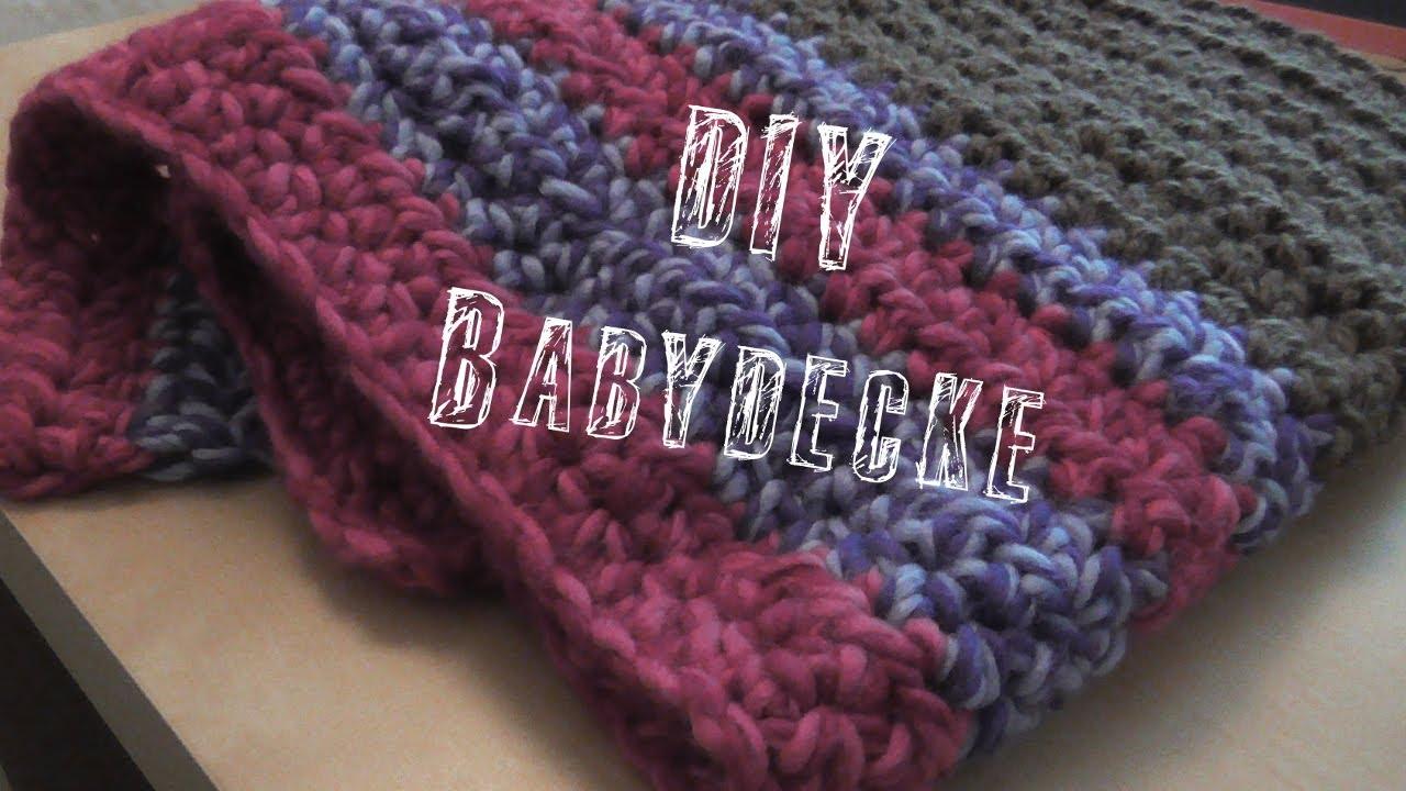 Wickeln Sie eine einfache, gehäkelte Babydecke um Ihr Baby für ein tiefes Nickerchen