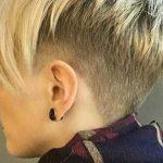 Atemberaubende, kurze geschichtete Frisuren für Damen (Trending in