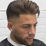 Inspiration für ein gutes zomerkapsel für Männer. 15 top Frisuren