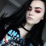 Gotische | LXII- SCHONE GOTISCHE | Nu goth makeup, Goth makeup, Cute