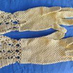 schöne antike VINTAGE Damen Häkel Handschuhe beige 19. Jahrh.