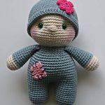 Häkelpuppe Püppchen Baby blaugrau