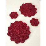 Perfect placemats crochet with ReTwisst Polyester Ribbons #retwisst  #tshirtyarn #fabricyarn #yarn #tapeyarn #trapillo #textilgarn #stofgarn  #ribbon #xxlace