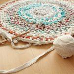 Aus Alt wird Neu: Teppich aus alten T-Shirts, Bettlaken und mehr