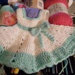 Häkeln Sie Baby Kleid mit Stirnband von MadinasCrochet auf Etsy