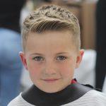 Angenehme frisuren jungs kurz im jahr