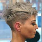 1-kurze-frisuren-blonde-haare-768×875