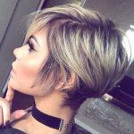 20 geschichtete kurze Haarschnitte für Frauen