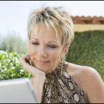 Kurze Frisuren für ältere Frauen   Frisuren Trend 123