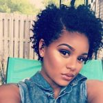 50 kurze natürliche Frisuren für schwarze Frauen Nette natürliche Frisuren  für kurzhaarige Schönheiten Das Tragen von Haar in seiner natürlichen  Textur