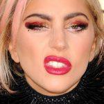 Anwendung von Lady Gaga Makeup
