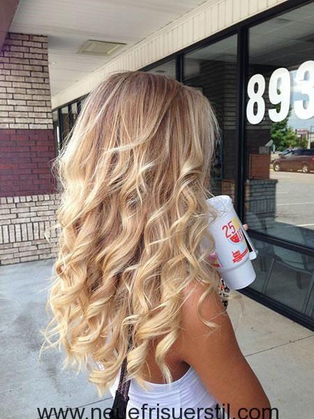 Die beste Art, lange lockige   Frisuren zu bewältigen