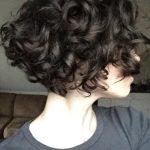 VerLockend – 2017 Trends in Kurzhaarfrisuren für lockiges Haar