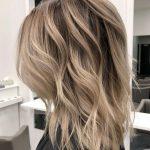Blonde Balayage auf mittlerer Länge Haar Inspiration Marovich Haare  pinterest Hairstylisten Balayage und Brünetten von blonde