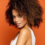 Natürliches Make-up Junge Frau mit natürlichem Look
