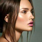 Natürlich aussehendes Make-up für braune Augen