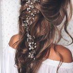 Wellenförmige Prom Frisuren für langes Haar