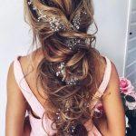 Niedliche Prom Frisuren für lange Haare 2018