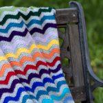 Häkeldecke mit Wellenmuster   Ripple Blanket von moggigalena   bunte Decke  häkeln   selber machen  