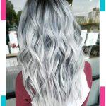 Silber weiße gewellte Frisur