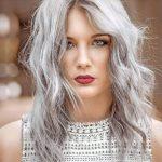 Auch Julia Schwarm (22) aus Namborn hat sich 2016 an die neue Haarfarbe  gewagt