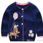 Großhandel Karikatur Entwurfs Marine Strickjacke Baby Wolljacke Weiches  Handfeel Reizendes Hundemuster Bunte Baumwolle, Die 3 Knöpfe Design Spinnt  Von