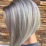 frisuren kurz, graue, kurze, glatte haare, bob frisur, moderne haarschnitte