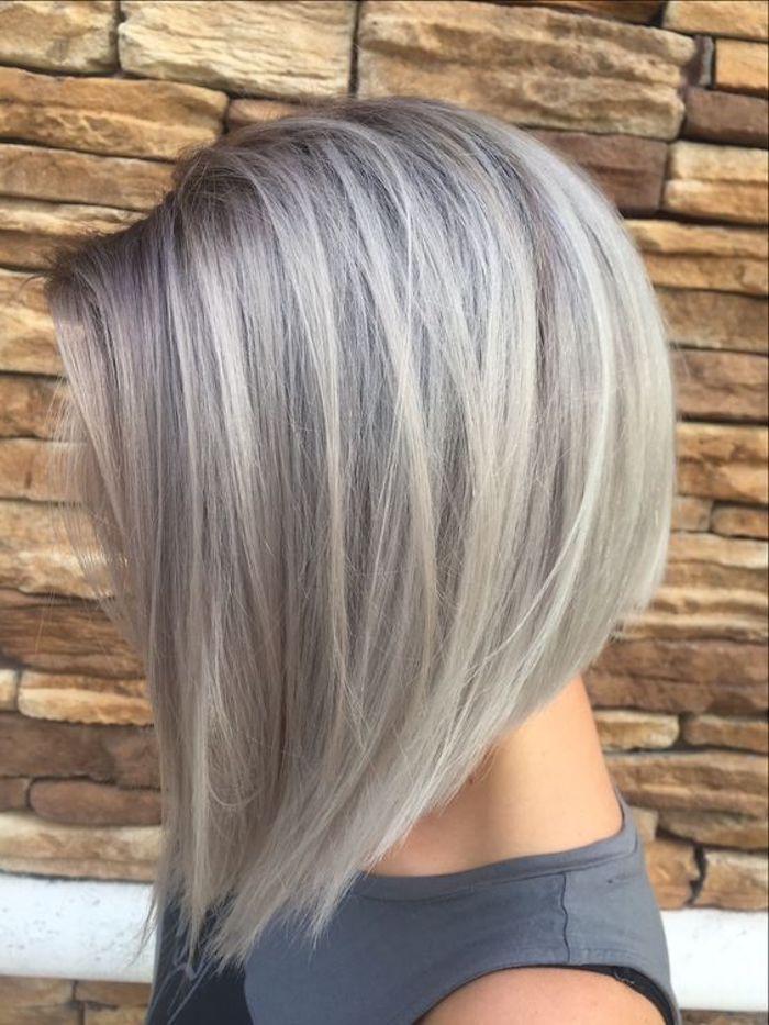 Wählen Sie aus den neuesten   und trendigen Frisuren für Frauen