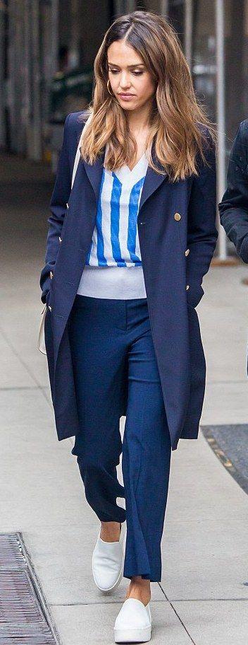 ♥ Pinterest: DEBORAHPRAHA ♥ Jessica alba in new york city wearing all navy -…