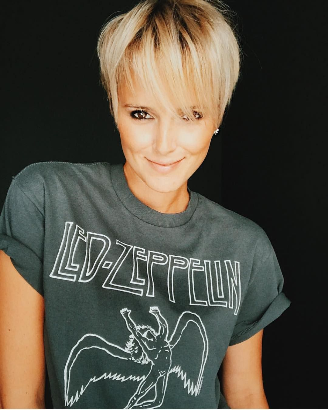 10 Trendy Very Short Haircuts for Female, Cool Short Hair Styles 2020
