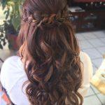 12 Prom Frisuren für langes Haar Half Up Curly Braids Updo 27