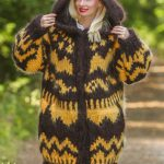 15 Strands thick and heavy hand knitted mohair sweater coat, Icelandic handgestrickte pullover in brown and yellow, 15 strands by SuperTanya