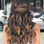 40 Pretty Prom Hairstyle Ideas For Curly Long Hair