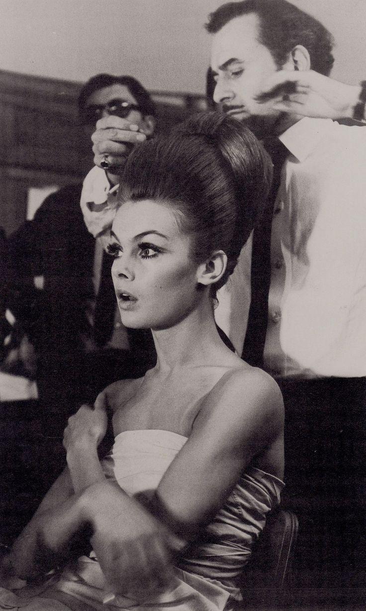 17 Sensational Vintage Hairstyles 1960s Jean Shrimpton