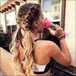20 wunderschön Frisuren, die Sie attraktiv machen für Frauen 2019 - 2020