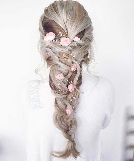 21 Beautiful Hair Style Ideas for Prom Night