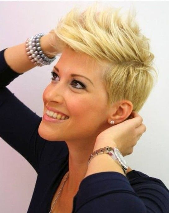 23 Short Layered Haircuts Ideas for Women