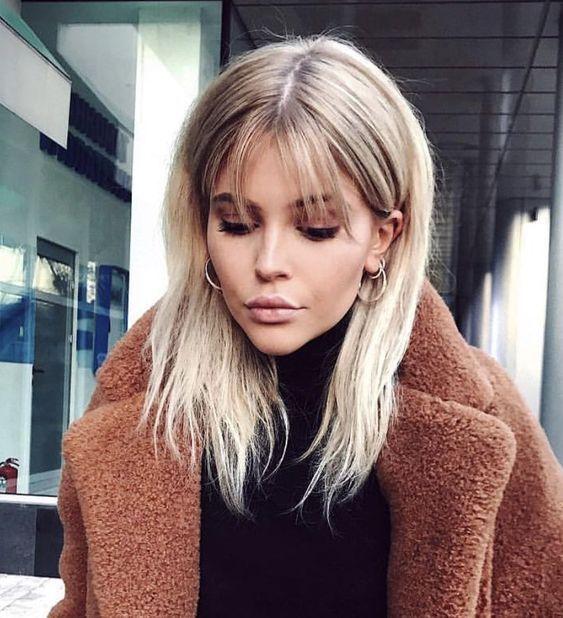 23+ Süße mittlere Frisuren für Frauen mit Pony – Samantha Fashion Life
