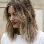 23 der romantischsten und sensationellsten mittelgroßen Frisuren 2019 für Frauen … – Mittellanges