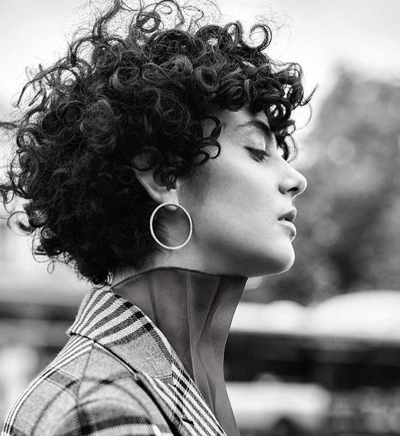 26 Cute And Sexy Hairstyles For Short Curly Hair Don't Miss