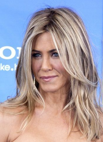 30 Trendy Haircuts for Women Over 30