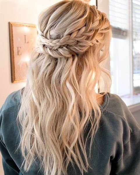 33 Outstanding Christmas Hairstyles for Little Girls