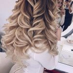 35 Long Curly Hairstyle Ideas 2018
