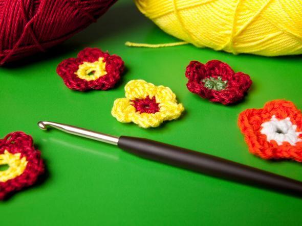 Anleitung für Häkelblumen zum Selbermachen