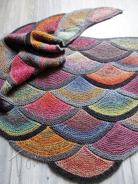 Aranami Shawl pattern by Olga Buraya-Kefelian