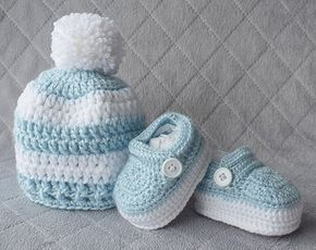 Baby Boy Set, Crochet Baby Boy Hat and Booties Set, Pom-pom Hat, Boy Shoes, Crochet Hat, Crochet Booties, Newborn Crochet Set, Boy Booties