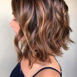 Beliebte Kurze Bis Mittlere Haarschnitte Für Dicke Haare - Trend Frisuren -  - ...,  #Beliebt...